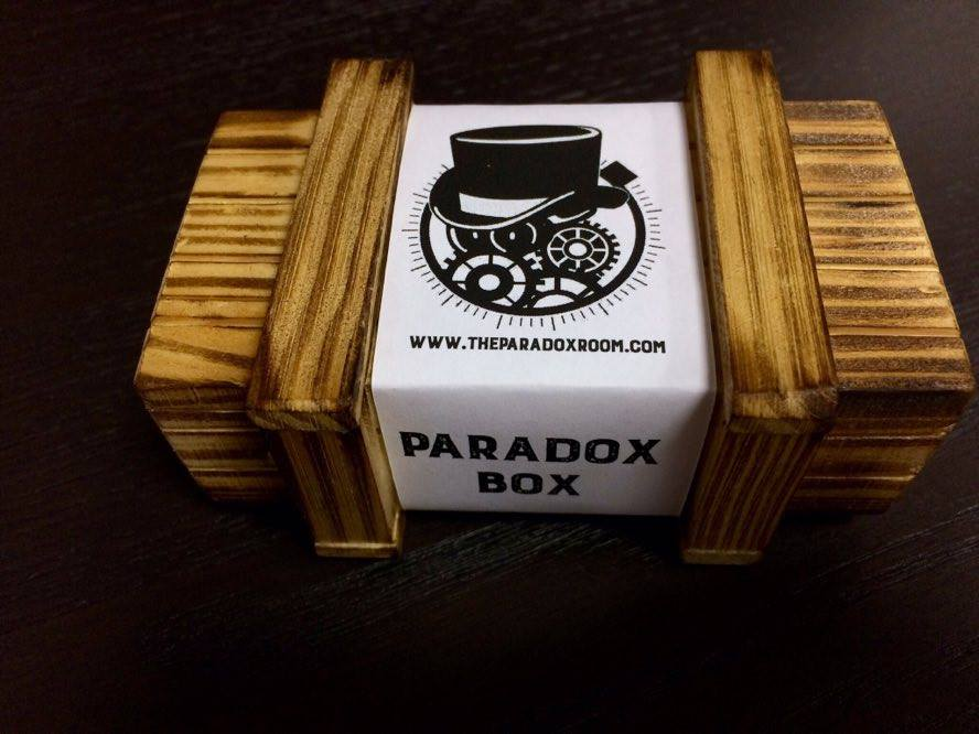 regala la Paradox Box